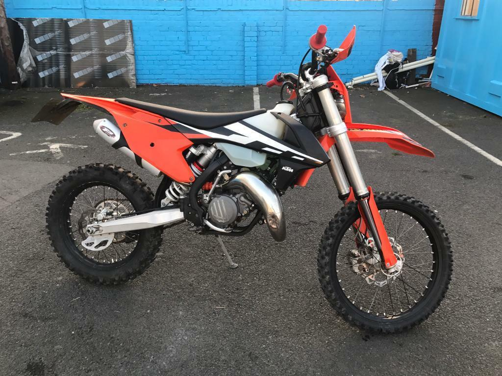 2017 ktm 125 exc finance available road legal enduro bike in middlesbrough north yorkshire. Black Bedroom Furniture Sets. Home Design Ideas