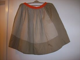 Skirt Makers ( COS ). Whit blouse makers ( COS )
