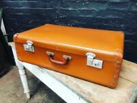 Fabulous vintage leather travel case in time warp condition