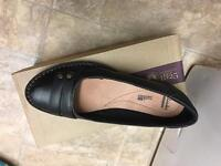 Women's clarks shoes. BRAND NEW. Size 6