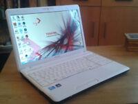 Toshiba Satelitte C660-2R0 15.6 inch Windows 7 Laptop w/ 250Gb Hdd 4Gb Ddr3.