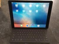 Apple iPad Pro 12.9 with Smart Keyboard