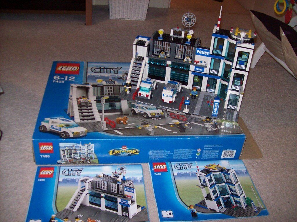 Boxed Lego City Police Station 7498 Complete With Instruction