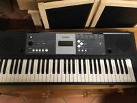 YPT-230 YAMAHA keyboard. 61 keys.