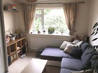 SINGLE OR DOUBLE ROOM TO RENT - STAINES UPON THAMES