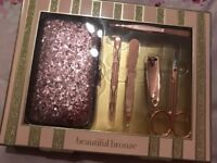 Beautiful bronze nail care kit