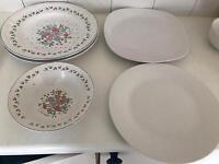 Porcelain plates and bowls