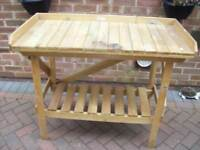 Garden work /Potting bench