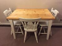 Gorgeous farmhouse style table and chairs