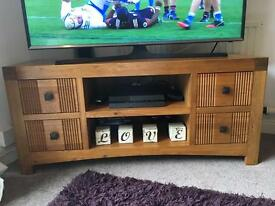 Solid oak tv stand and nest of tables