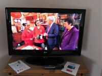 """Full HD LED TV 32"""" Built in Freeview 4 HDMI, 2 Scart, USB, PC, S Video Etc Mint"""
