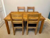 Solid Oak Dining Table c/w 4 Chairs - Excellent Condition