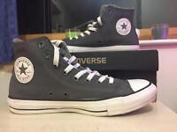 Converse - Size 7.5