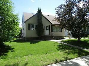 CHARACTER 3 BDRM HOME IN MATURE SHERBROOKE COMMUNITY