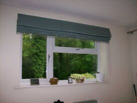 Roman blind and curtain in good condition
