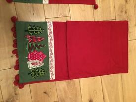Christmas table runner and 8 place mats for sale