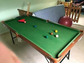 Snooker table 6' x 3'. Excellent condition