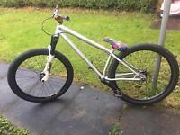 Specialised p2 dirt / jump bike NOT specialized Kona trek norco
