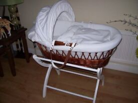 IZZYWOTNOT DARK WICKER MOSES BASKET WITH DELUXE WHITE STAND & WHITE WAFFLE BEDDING WITH RABBIT MOTIF