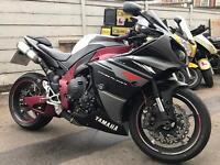 Yamaha r1 with some nice extras