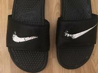 Men Nike slippers size 7