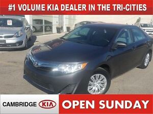 2014 Toyota Camry LE / *AUTO* / NOT A RENTAL