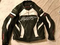 RST Tractech Evo Leather Motorcycle Jacket Size 48 With Lining like new would take px