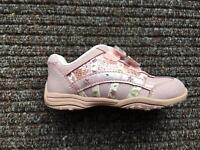 Girls Clarks Light up trainers 5.5F