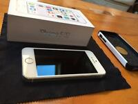 iPhone 5s 16gb - White, Near New, plus quality protective cover