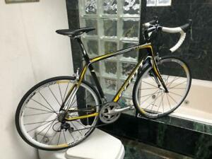 BRAND NEW (SIZE 56cm) SCOTT CR1 CARBON ROAD BIKE - SHIMANO 105