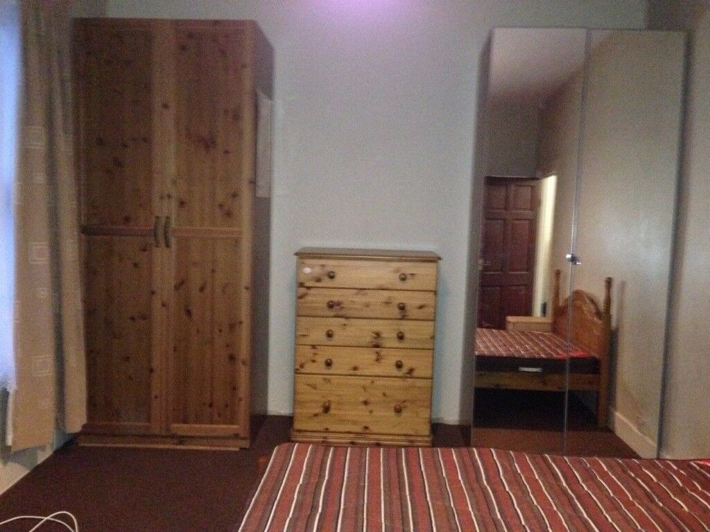 One large double bed room available in house