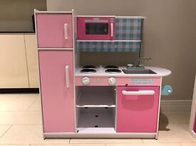 GLTC pink Kitchen