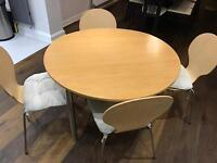 Breakfast/Dining table with chairs (inc cushions)
