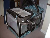 GRACO CONTOUR ELECTRA LITTLE ONE TRAVEL COT WITH BASSINET,NAPPY HOLDER,CHANGING TABLE POCKET,AND BAG