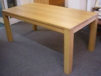 Large Oak Dining Kitchen Table 6' x 3' seats 6 - 8 Excellent Condition Removable Legs Can Deliver
