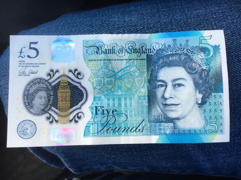 £5 note AA collectors item