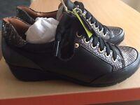 Pikolinos Women's Low-Top Sneakers, size UK5
