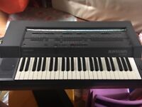 Bontempi keyboard with stand
