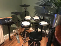 Yamaha DTX750K electric drum kit