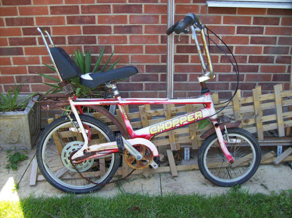 RALEIGH CHOPPER IN NEED OF RESTORATION.COLLECT NEW MILTON AREA
