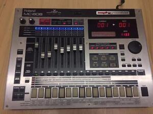 Roland MC 808 with 512MB ROLAND FANTOM RAM 128