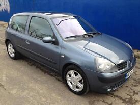 2005 Blue Renault Clio 1.2 Dynamique 90k Miles, FSH, 12 MOT, 2 Owners x2 Key