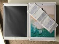 IPAD PRO 10.5INCH 256GB WIFI+ CELLULAR UNLOCKED GOLD PRISTINE CONDITION COMES WITH PURCHASE RECEIPT