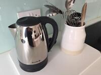 Kitchen utensils and starter pack