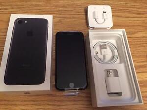 Apple iPhone 7 32GB Jet Black Neuf ( jamais utilisé )