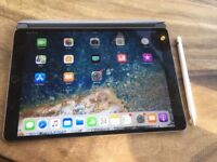 """Apple iPad Pro 10.5"""" 64GB WiFi + 4G with Apple Pencil and Smart Cover"""