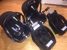 2 x Maxi-Cosi EasyFix IsoFix Car Seat Bases & 2 x Maxi-Cosi Cabrio Car Seats with Inserts