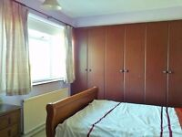 Headington large attractive bedroom available 1/7/17 to a Prof/Mature Couple/ single person