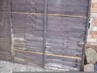 Free Wood panel and half a gate for using burning