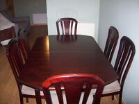 Meredew 6 Seater Extendable Mahogany Dining Table and Chairs c1990 VGC